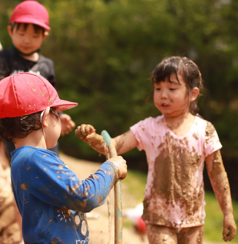 泥んこ遊び最高