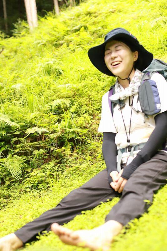 草の上で休憩中